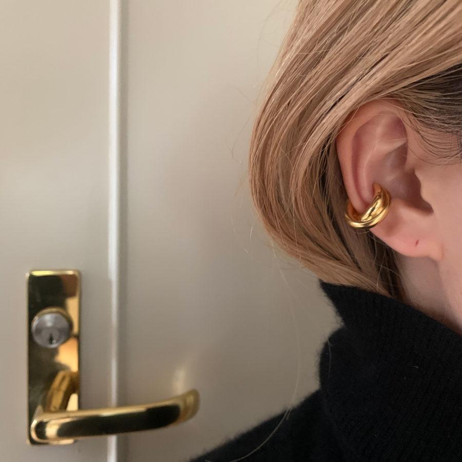 w line earcuff