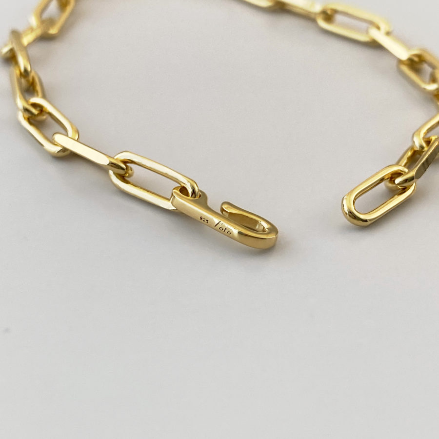 E chain bracelet gold