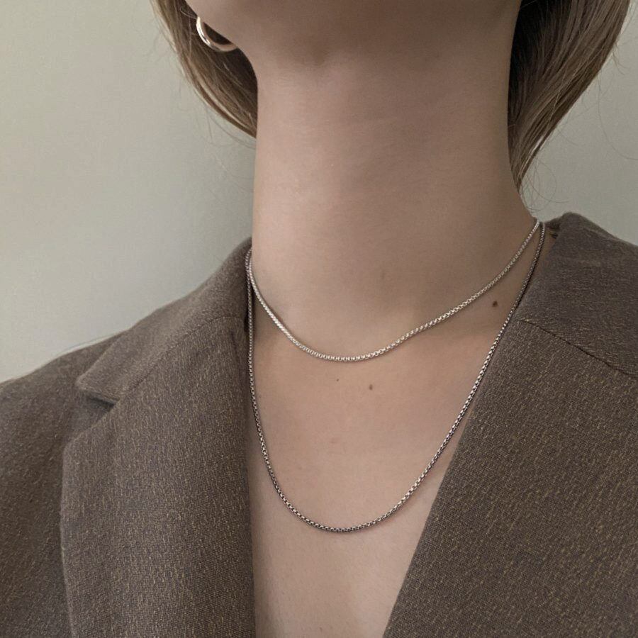 B necklace 01