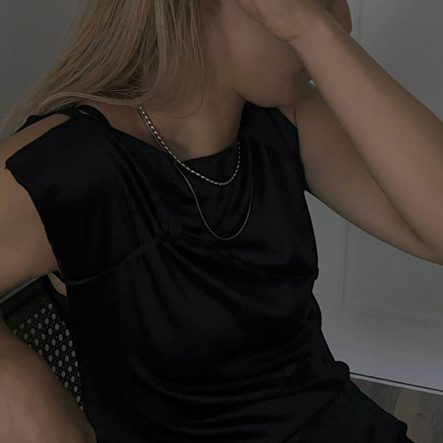P necklace 01