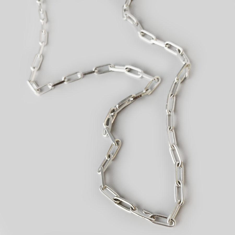 E necklace 02